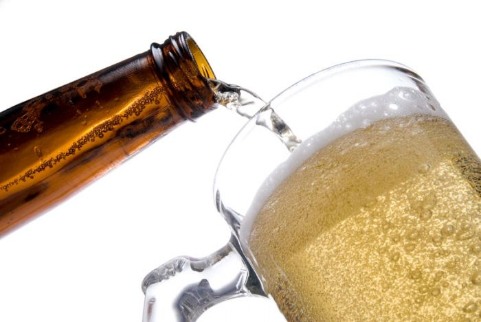 Development of low-alcohol isotonic beer by interrupted fermentation