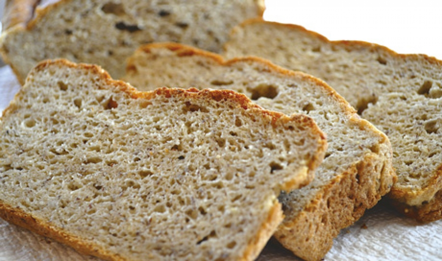 Non-gluten proteins as structure forming agents in gluten-free bread